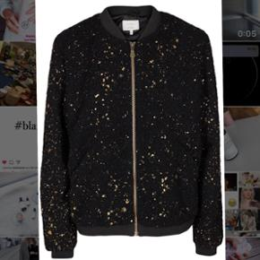 Glittering soft bomber jacket from Nümph , brand new, used only few times (new price 700dkk)