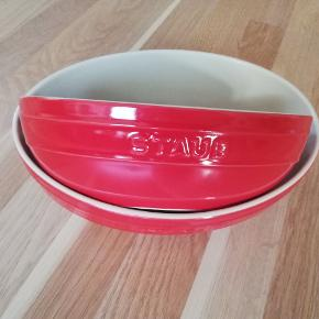 Staub ovale skåle. 24 og 27 cm