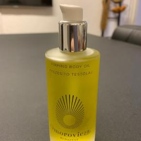 Omorovicza Firming Body Oil. 100 ml. Brugt to pump. Nypris: 490.