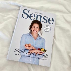 📚 Sense - Slank med fornuft  Af Suzy Wengel  Fremstår som ny