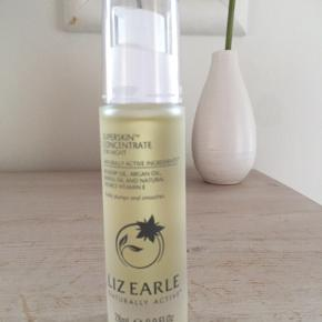 Liz Earle Superskin Concentrate for Night.   An intensive, aromatic 100% plant oil blend that's perfect for facial massage, our 5-star rated golden concentrate rebalances as it plumps, for soft, nourished skin by morning. 85% said skin looked rejuvenated and more nourished overnight.* Harnessing the innate balancing properties of botanical oils, we blend softening argan and hazelnut with hydrating rosehip and vitamin-rich avocado, plus the clean, calming scent of neroli, lavender and chamomile essential oils to soothe a busy mind and promote restful sleep. Here at Liz Earle, we don't believe in the idea of 'anti-ageing'. Instead, we prefer to think of our Superkin™ range as pro-age, created with powerful botanical ingredients to support you and your skin at every life stage.