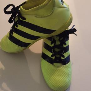 Adidas sko, str. 35,5. Fin stand