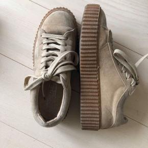 Truffle collection sneakers med creeper sål