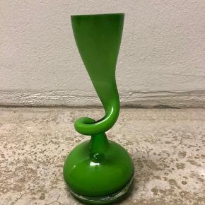 Grøn swing vase.