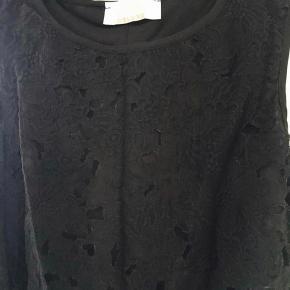 Smuk kjole Købt i Paris Mærket hedder Juju S'amuse