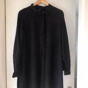 Tunika skjorte fra Zizzi str. L  Brugt en gang.  Pris 150 kr. incl forsendelse med DAO