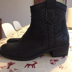 Super fede nye og ubrugte Cashott støvler.  BYTTER IKKE