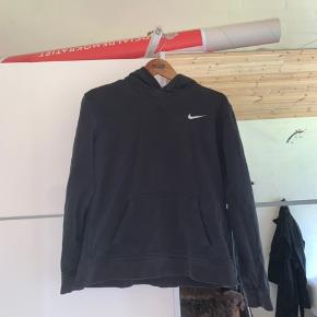 vintage Nike hoodie børnestr. XL, men fitter som XS  ingen flaws