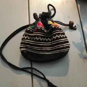 Skøn lille taske 85🌺