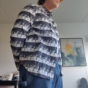 Ingen fejl, fed skjorte i robust materiale
