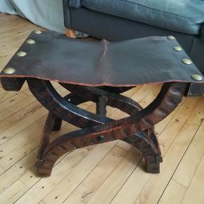 One Vintage taburet