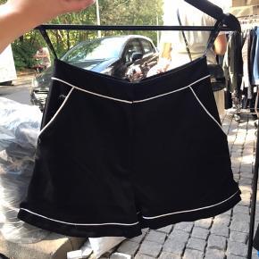 Cool satin shorts Aldrig brugt!!