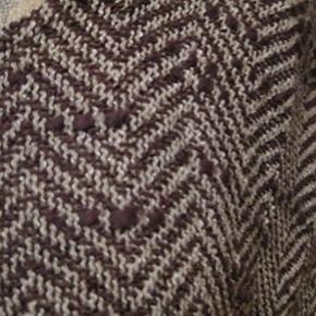 Masai top str XL Bm 2x60 cm Længde 50 cm lille slids i siderne - med kort lynlås i nakken - bomuld/viscose - 140 kr plus porto (m8308)