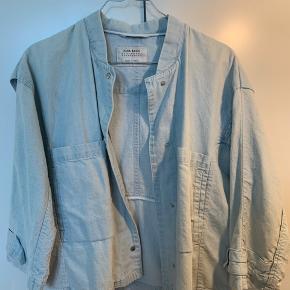 c7c47016 Sælger min smukke jakke/skjorte fra Zara i den smukkeste lyseblå farve💙  Str: