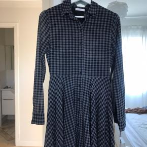 Sød ternet kjole. Blevet for lille.
