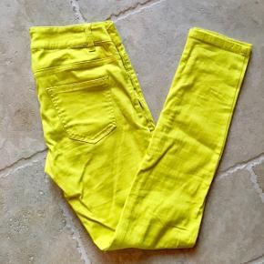 Gule jeans - fin stand, kom gerne med realistisk bud 👖