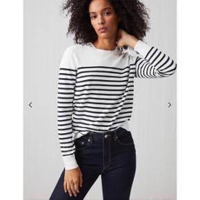 ARKET lang trøje   størrelse: L   pris: 200 kr    fragt: 37  Min er den på sidste billede, den er ikke ligeså hvid som på model billederne, den er mere creme