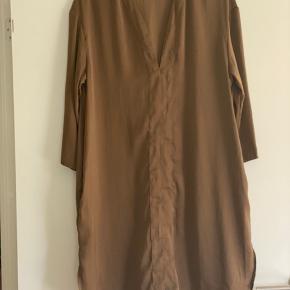 Super flot tunika/ kjole med lommer  Str M  Mp 150 pp