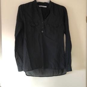 Copenhagen Luxe Skjorte, Næsten som ny. Ringe - Copenhagen Luxe Skjorte, Ringe. Næsten som ny, Brugt og vasket et par gange men uden mærker eller skader