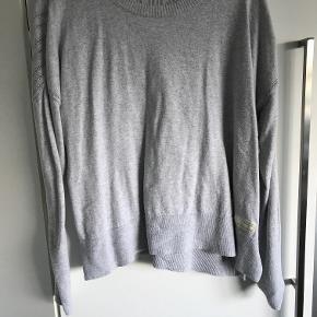 Bomulds Sweater fra Odd Molly kun brugt 2 gange så fremstår som næste ny  Odd Molly str. 3