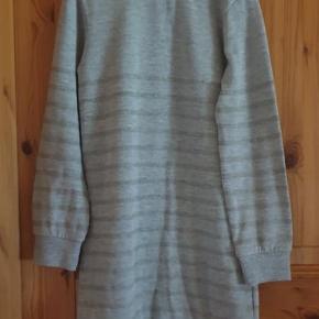 Freoli kjole