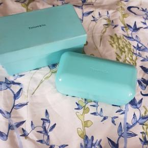 Verkaufe Sonnenbrille von Tiffanys in Originalkiste, Originaletui mit Tuch und Säckchen. Neupreis war c.a 700. Komme euch gerne entgegen ❤😘