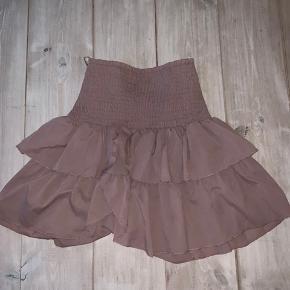 Fin nederdel fra Neo Noir. Brugt få gange