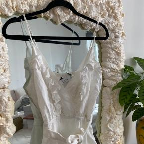 Virkelig fin iro kjole aldrig brugt stadig med mærke💖
