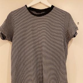 Super fin t-shirt sælges