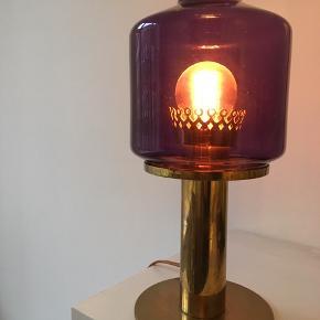 Så smuk Hans Agne Jakobsson bordlampe. Virkeligt flot stand!
