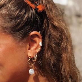 Sælger disse fine øreringe fra Sprnkl zoo.  De er blevet brugt 2 - 3 gange i kort tid af gangen.  De sælges da jeg ikke får dem brugt nok:)  BYD