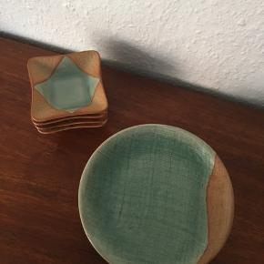 Smukt keramik fra Slam Celadon Wood Ash Glaze - 4 stk små tallerkner (14,5 cm i diameter) - 4 stk små skåle (7,5 x 7,5 cm)