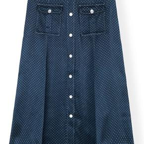 Smukkeste nederdel fra nyeste AW kollektion str 38 og størrelsessvarende 🌸😊nypris 1799,-kr Mp 1100 pp