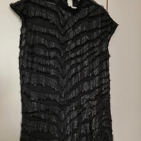 Second Female kjole