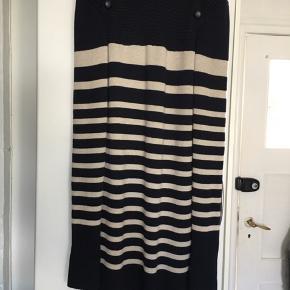 Den berømte kjole worldwide Skøn, tung kvalitet italiensk str 44 Made in Italy