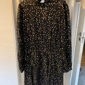 Fin kjole fra Bruuns Bazaar - kun brugt en enkelt gang