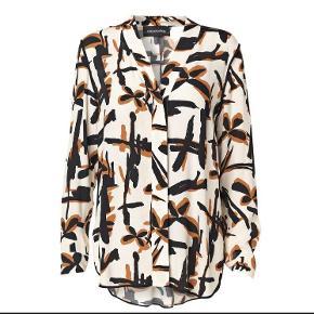 Varetype: Skjorte Farve: Creme/sort/brun Oprindelig købspris: 1800 kr.  Aldrig brugt. Stadig tags på. Bytter ikke - Mp. 600 kr via mobilpay