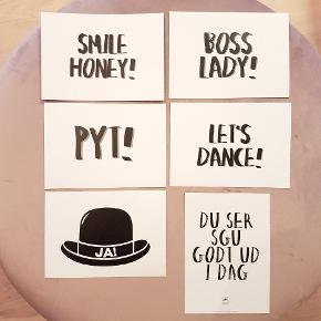 """*Prisen er 12kroner/stk afhentet.  6 søde små postkort  ☆ """"Smile honey!"""" ☆ """"Boss lady!"""" ☆ """"Pyt!"""" ☆ """"Let's dance!"""" ☆ """"Du ser sgu godt ud idag"""" ☆ """"Ja - hat!""""  🌸 SÅDAN HANDLER JEG 🌸  💙 BETALING VIA MOBILE PAY 💙 💚 Varen går til først betalende. 💛 Bytter/refunderer ikke/tager ikke varer retur. 🏠Hentes på Amager, tæt på Bella Center. 📮eller sendes på købers regning med Dao/Gls med mindre andet er aftalt. 📸 jeg sender altid billede af pakken samt forsendelses oplysninger.  VED AFHENTNING: Udlevering af vejnavn når du er på vej. Resten af adr. får du, når du er her. Bliver tit brændt af - på forhånd tak for forståelsen!🏡  Slået op flere steder.   * TS gebyr er inkl. og fratrækkes ved en handel udenom TS."""