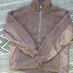 H&M sports teddy fleece jakke