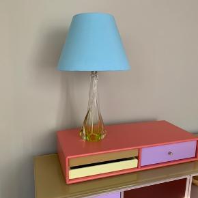 Smuk gul Val st Lambert lampe  Kan afhentes på Frederiksberg eller sendes mod betaling