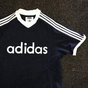 Adidas tshirt Xsmall Brugt 2-3 gange