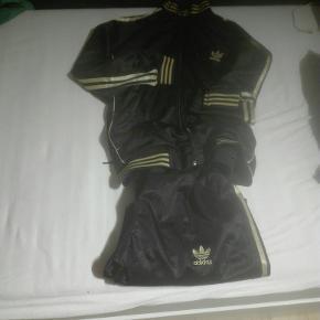 Adidas træningssæt str xl