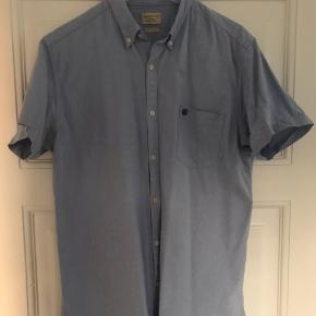 Flot skjorte fra Selected sælges!