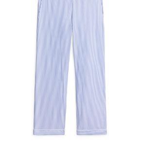 Har haft bukserne på få gange, så derfor fremstår de næsten som ny.