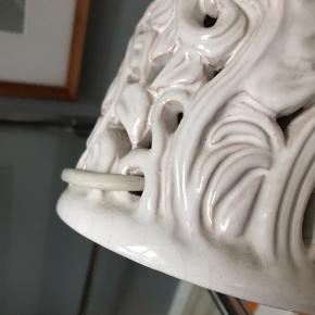 Hjorth lampe nr. 435. En smuk og sjælden sag.  400kr  #hjorthlampe #hjorthkeramik #hjorth #vintagelampe #keramiklampe #danskkeramik #bornholmskkeramik