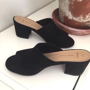 Mules. Sorte sko/sandaler med hæl (6 cm). Brugt én gang. Str. 39. Wide fit.