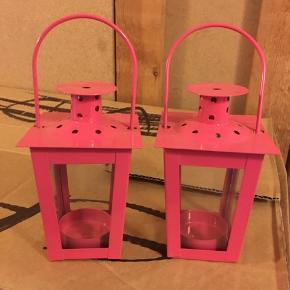 Små pink lanterner.   Brugt 1 enkelt gang.   Sælges samlet