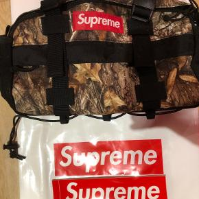 Supreme skuldertaske