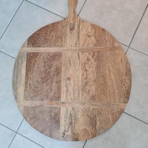Fint topas bræt størrelse 74x 65 cm skal hentes i Højbjerg