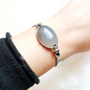Dyrberg/Kern armbånd i rustfrit stål. Aldrig brugt